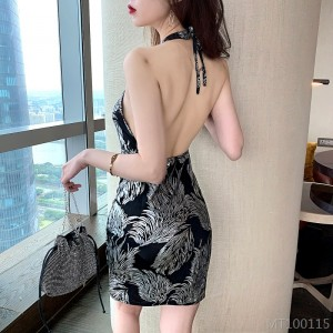 2020 new hanging neck printed short skirt waist tight and thin package hips