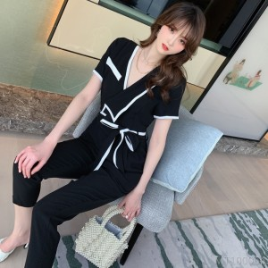 2020 new V-neck slim jumpsuit nine points black jumpsuit