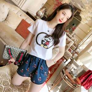 2020 new black and white mouse T-shirt casual shorts suit