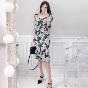 2020 new printed fishtail bag hip v-neck dress