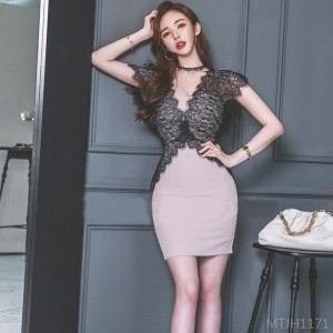 2020 new lace slimming hip bottom dress
