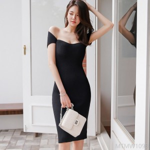 2020 new slim-fit mid-length knitted bag hip fashion dress
