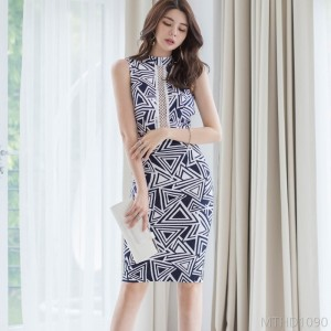2020 new leaky back stitching lace printed bag hip dress