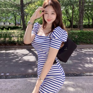2020 New Slim Knit Striped Hip Dress