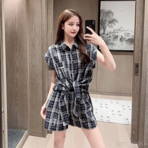 2020 new Korean version of plaid shirt female fashion suit