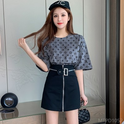 2020 new letter casual T-shirt + black a-line short-sleeved two-piece Hong Kong style suit