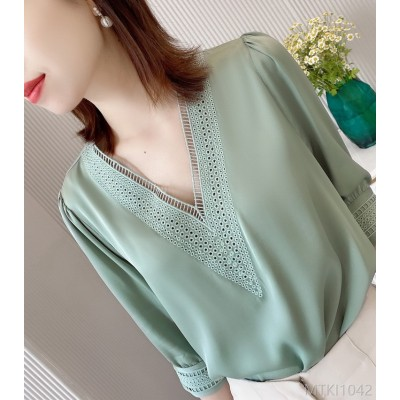 2020 new European goods v-neck embroidered mulberry silk top regular