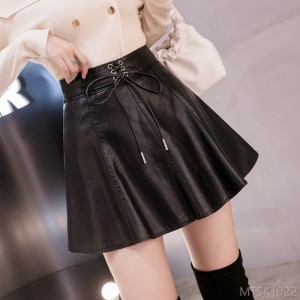 2020 new black leather short skirt female autumn and winter Korean version A