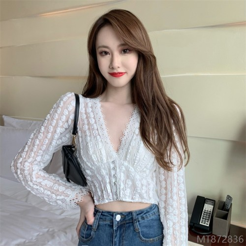 2020 new all-match real price sexy hollow V-neck design sense of slim long-sleeved lace shirt temperament all-match