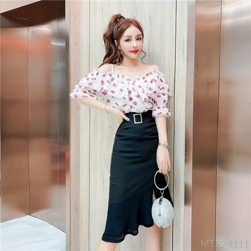 2020 New Temperament Stitching Love Chiffon Top + High Waist Irregular Bust