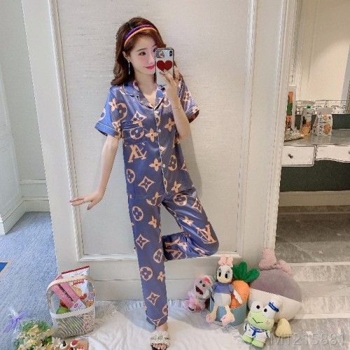 2020 new pajamas short-sleeved trousers suit ice silk loose Korean imitation silk