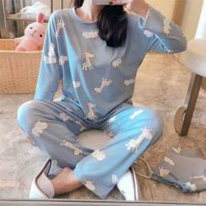 2020 new long-sleeved giraffe pajamas women suit milk silk