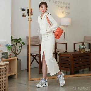 2020 new half-open zipper sweater with front slit and raw edge bag hip
