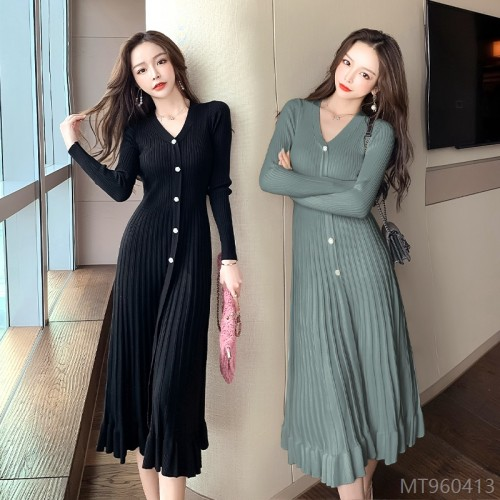 2020 new big v-neck long-sleeved big pendulum diamond button dress
