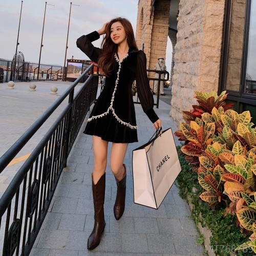 2020 new fashion waist waist autumn small black dress single long sleeve