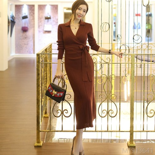 2020 new fashion Korean style slim long sweater skirt V-neck tie