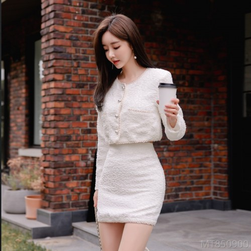 2020 new autumn fashion retro pearl button knit suit