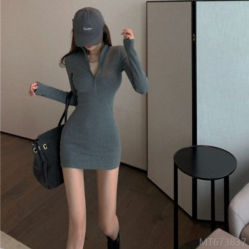 2020 new autumn and winter fashion knitted dress zipper v-neck long-sleeved slim bag hip bottoming short skirt women