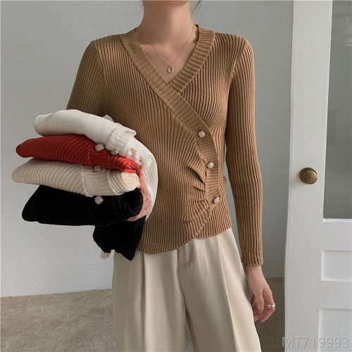 2020 new early autumn long-sleeved V-neck slim knit sweater top sweater