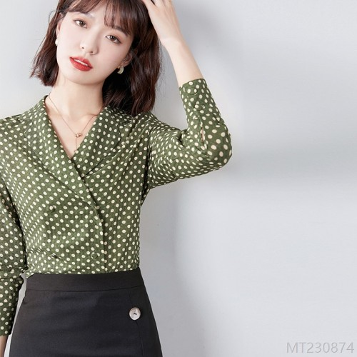 2020 new polka dot lapel long sleeve straight shirt women are very fairy