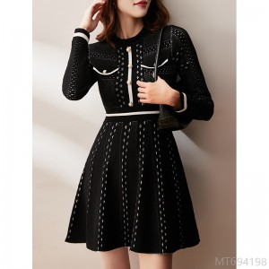 2020 new fashion round neck long sleeve base A-line skirt