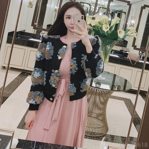 2020 new single-breasted short cardigan woolen flocked flower coat