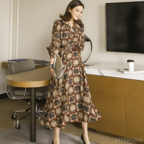 2020 new Korean style suit collar, long skirt, waist printing, large skirt, dress woven