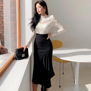 2020 new Korean version of slim stitching lace top with waist and hips