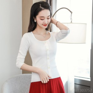 2020 new wild spot spring and autumn square neck sweater