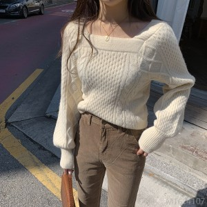 2020 new foreign style square collar exposed clavicle, careful machine slimming sweater