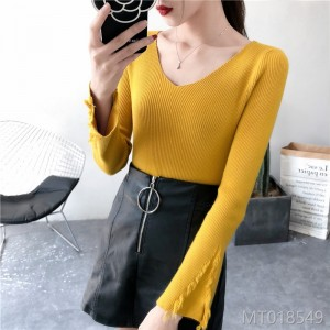 2018 autumn and winter new sweater female V-neck tassel long-sleeved trumpet sleeve sweater shirt top shirt