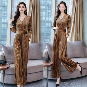 2018 new style slim slim velvet long sleeved dress, wide leg pants suit.