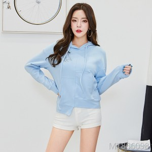 2018 new style women's sweater in autumn.