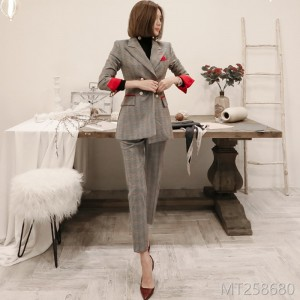 2008 Korean version of temperament double-breasted checked suit jacket, waist and trousers professional suit