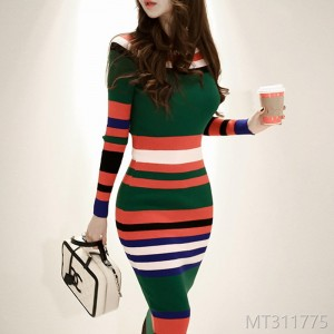 2008 Autumn and Winter New Korean Edition Temperament, Self-cultivation and Colour Strip Knitted Buttock Sweater Bottom Dress