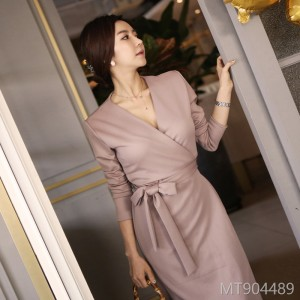 Autumn and Winter 2018 New Korean V-tie, waist-closing fashion, body-shaping, hip-bottom dress