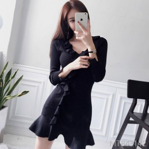Fall and Winter 2018 New Korean Edition Temperament V-neck Slimming Lotus Edge Knitted Sweater Dress