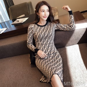 2008 Winter Dress New Korean Edition Slimming Temperament Round-collar Knitted Sweater Jacquard Button Bottom Dress