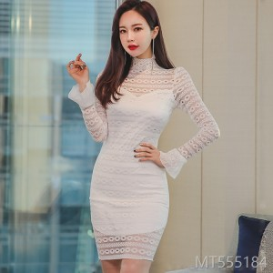 2018 vertical collar lace hollowed-out self-cultivation Bell Sleeve wrap buttocks show thin bottom skirt dress