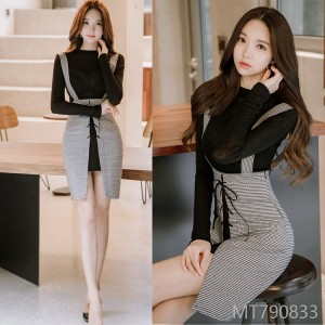Fall and Winter 2018 New Korean Edition Two-piece Fashion Knitted Top Slimming Bag Hip-strap Skirt Suit