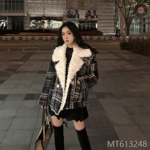 Thickened and Warm Small Chequered Lamb Fur Coat for 2019