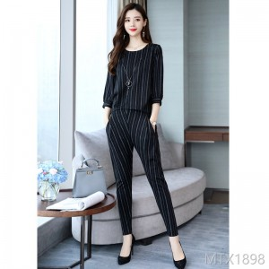 2009 elegant fashion suit with elegant trendy stripes