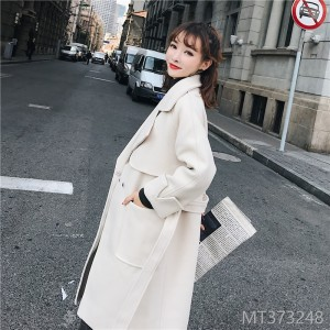 Medium-and Long-style turtleneck coat with large pockets and waistcoat in 2019