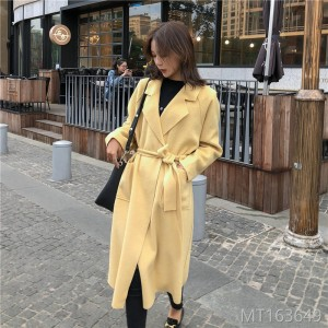 Medium-length woolen jacket and tweed overcoat for 2019