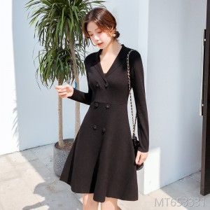 2019 Double-breasted and Thickened Long-sleeved Knitted Little Black Skirt Dresses