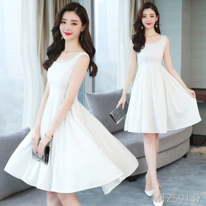 2009 Sleeveless Round-collar Little Fragrant Wind Dresses with A-shaped Waist