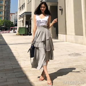 2009 Korean version of the new fashion casual 100 sets of pure color cake skirt stitching clothes