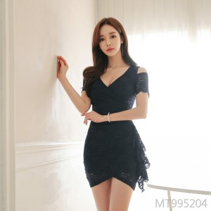 Korean version slim dress with body-building and sexy buttocks