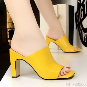 2019 new Korean fashion simple trend with thick heels