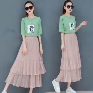 2019 new printed T-shirt + half-length mesh long skirt two-piece suit